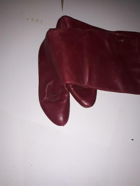 Сапоги жіночі, червоного кольору, б/в, одна пара