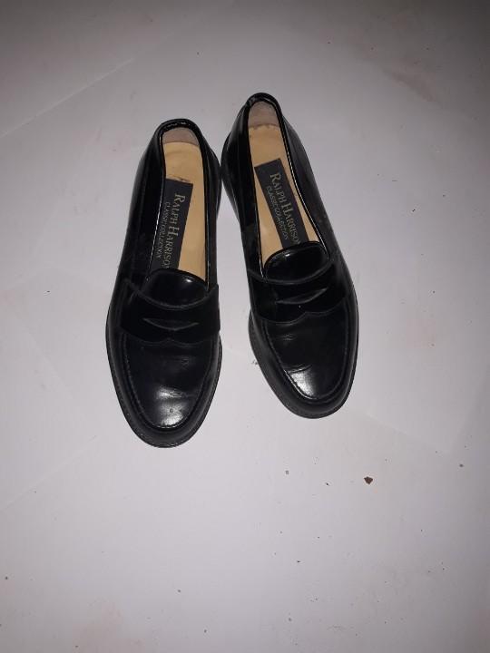 Туфлі жіночі, чорного кольору, б/в, одна пара