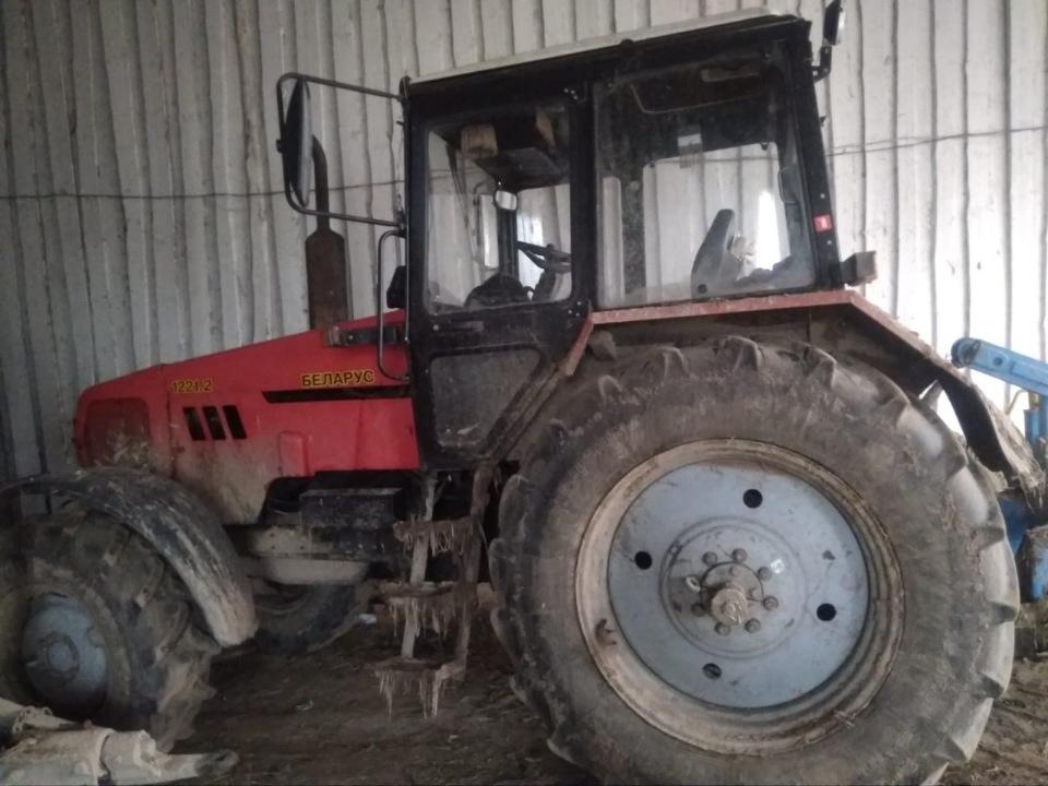 Трактор БЕЛАРУС-1221.2, 2017 року випуску, реєстраційний номер 25885СВ, заводський № 12211159, двигун № 152428
