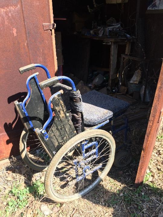 Стілець - 10шт, інвалідний візок