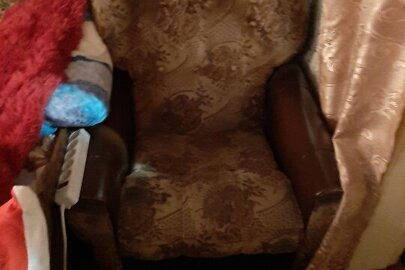 М'які кресла, б/в,2 од.