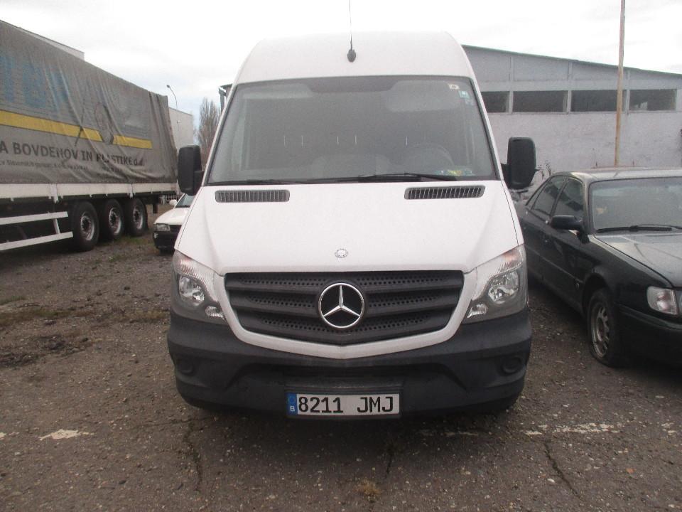 Т/З марки MERSEDES-BENZ, модель SPRINTER 313 CDI, 2014 року випуску, реєстраційний номерний знак Іспанії 8211 JMJ, кузов № WDB9066331S831644, білого кольору