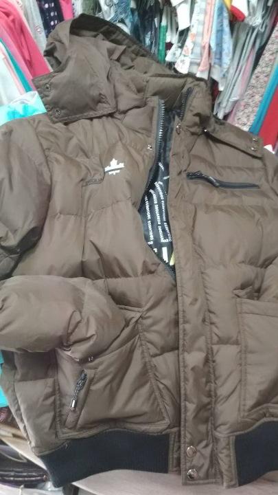 Куртка зимова, чоловіча, коричневого кольору з в'язаними манжетами, модель: DSQUARED2, розмір XL, 1 шт.