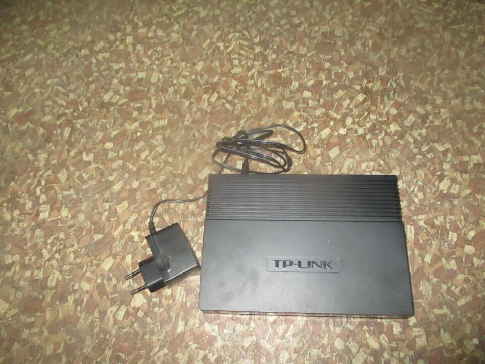 Мережевий комутатор TP-LINK, NL-SF1016D, в кількості 1 шт.
