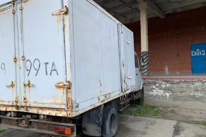 Транспортний засіб марки ЗИЛ, 2000 року випуску, днз 08799ТА, №шасі (кузова) XTZ5301AOY0041529, сірого кольору