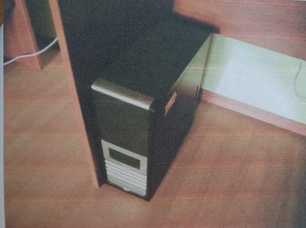 Системний блок чорного кольору у кількості 1 шт.