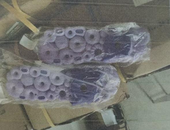 Взуття жіноче з синтетичних полімерних матеріалів в асортименті, різних кольорів, країна виробника: Китай у кількості 3000 шт.