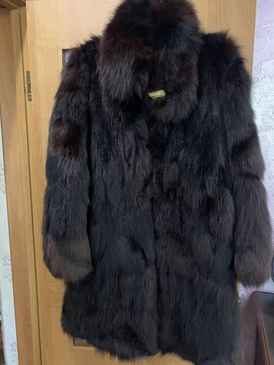 Жіноча шуба, з хутра пісець, чорного кольору, 48 розміру
