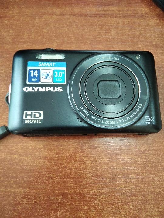 Цифровий фотоапарат марки «Olympus D-715»