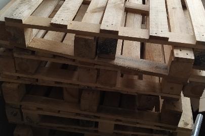 Піддони дерев'яні розміром 1200х800х126 мм, у кількості 40 шт.
