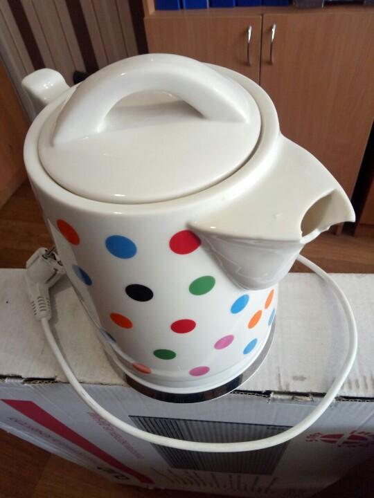 Електричний керамічний чайник Delfa DC-1400