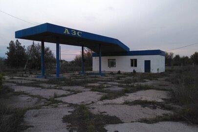 Комплекс АЗС, розташований за адресою: Запорізька область, Мелітопольський район, сщ. Зарічне, вул. Повздовжня, 61