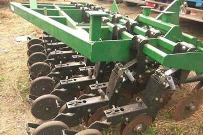 Сівалка зернова марки Great Plains, модель NTA3510-5575 з бункером ADC2350, заводський номер: GP-Z1829.GP-D1024V, 2019 року випуску, зеленого кольору