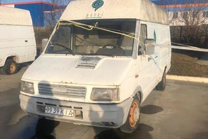 Транспортний засіб марки  IVECO модель 35.10 V, 1996 р.в., державний номерний знак № 9939 КІА тип ТЗ – інші вантажні автомобілі, двигун № 2158757, шасі. № Y6BT0000084090370