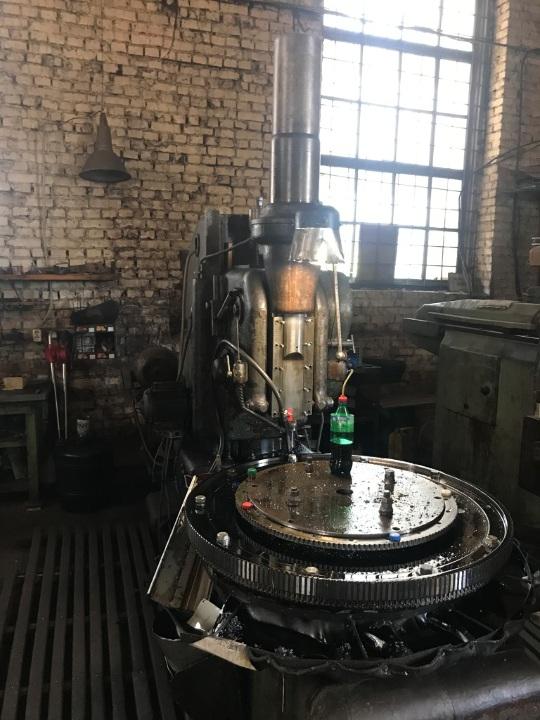 Виробничі машини, обладнання та інше майно в  кількості 61 інвентарна одиниця
