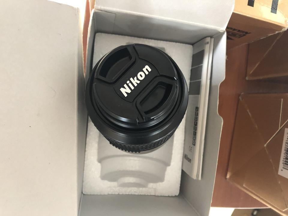 Об'єктив мод. ZOOM-Nikkor 18-35 mm.f/3/5D Виробництва фірми Nikon Cort Японія - 4 штуки, Карта пам'яті SD Memory Card (32 MB) - 2 штуки