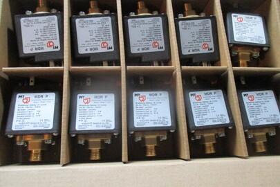 Товари в асортименті (вмикачі, з'єднувальні пристрої, статори, фільтри, реле тиску, двигун-редуктор) - 91 шт.