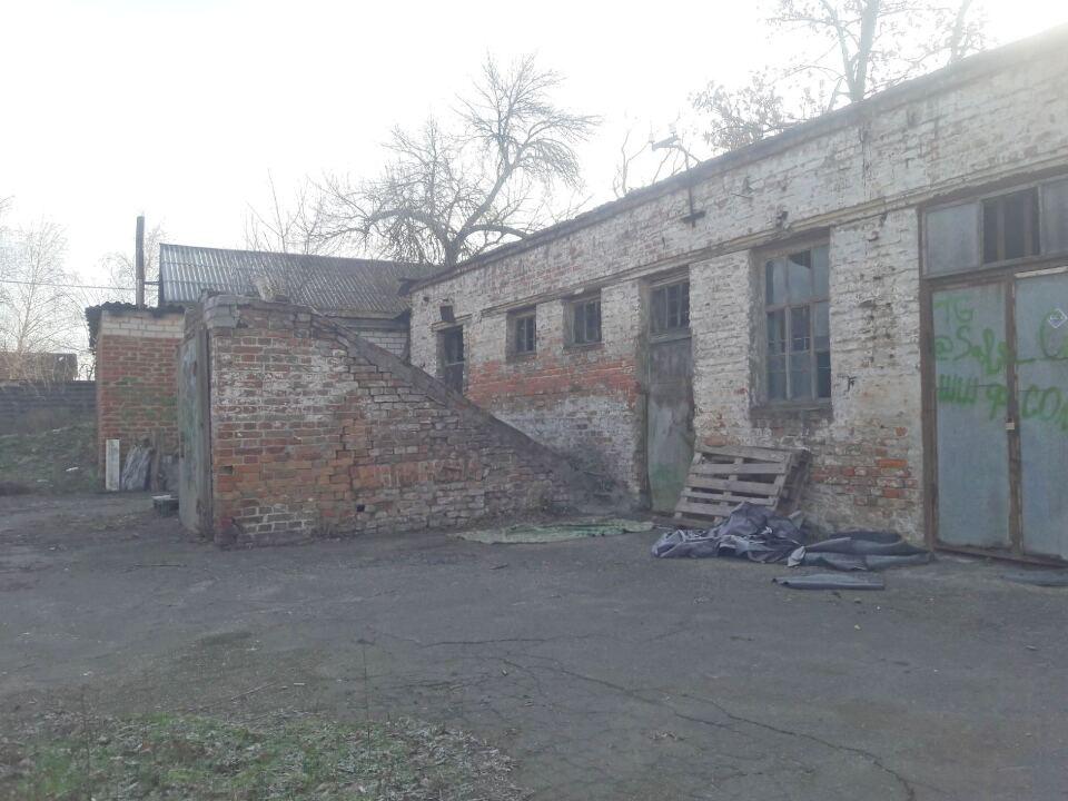 Будівля кладової з підвалом, загальною площею 137,9 кв.м., за адресою: Полтавська область, м. Кременчук, вул. Леонова, 2 - В