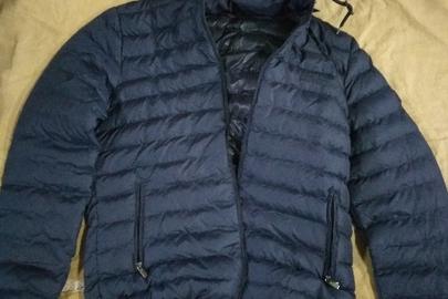 Чоловічі куртки ТМ HUGO BOSS - 18 шт., жіночі куртки ТМ MONCLER - 7 шт., дитячі куртки ТМ MONCLER - 3 шт.