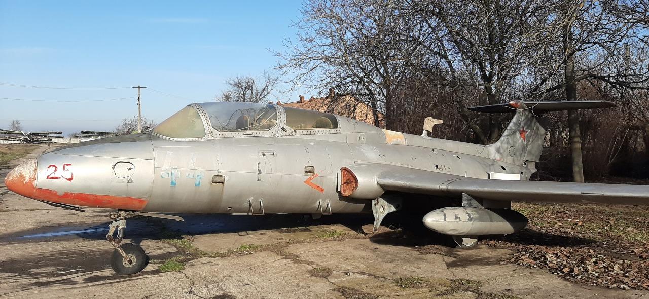 Літак Л-29, інвентарний номер 25, заводський номер 892799