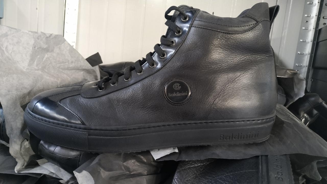 Взуття чоловіче, нове, торгівельної марки