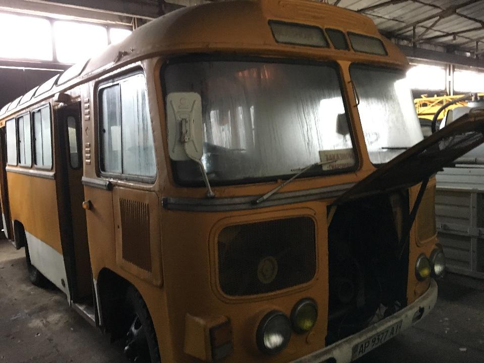Автобус пасажирський ПАЗ 672М, державний номер АР9377АІ, 1988 року випуску, жовтого  кольору, шасі № 8802683