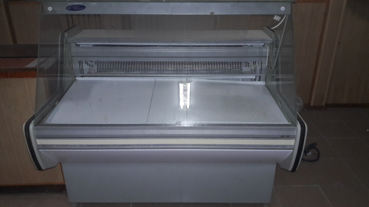 Холодильна вітрина горизонтальна