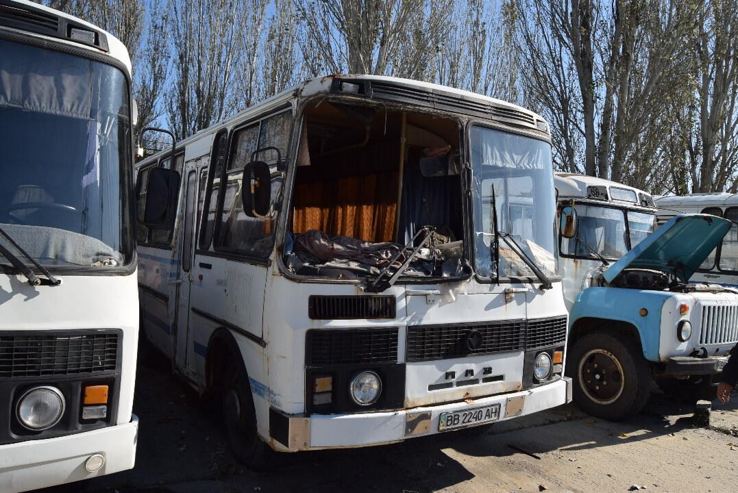 Автобус (пасажирський): ПАЗ 3205, 1995 р.в., білого кольору, ДНЗ: ВВ2240АН, VIN: 32059501887