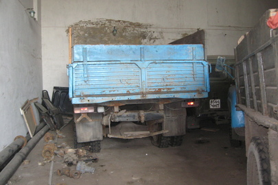Вантажний автомобіль ЗИЛ-130, 1984 року випуску, д.н.з. 5672 ЧНЕ, без реєстраційних документів, без діючих номерних знаків, №двигуна684341, бортовий-с, №шасі 0236